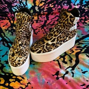 Platform cheetah boots